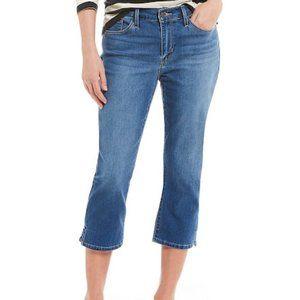 Levi's Capri Jeans Medium Wash Size 8